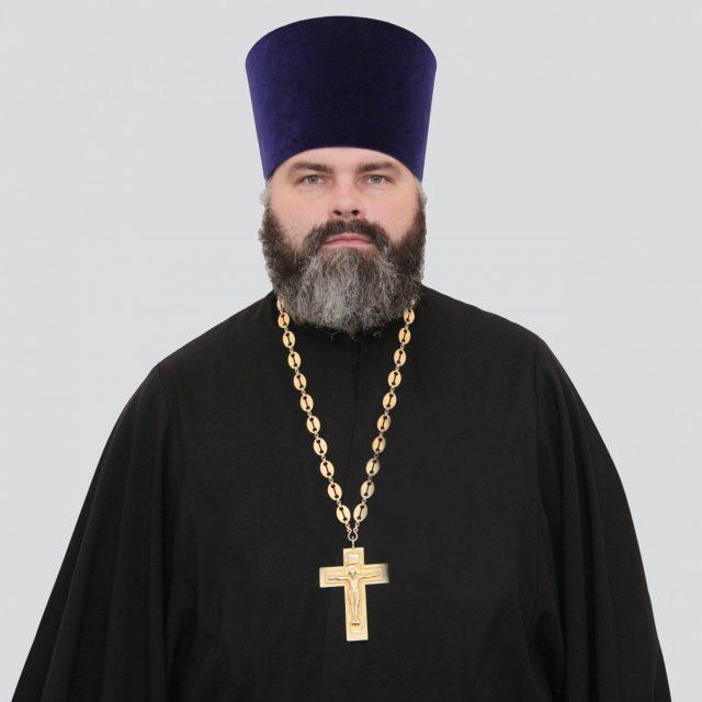 Священник Марк Кравченко