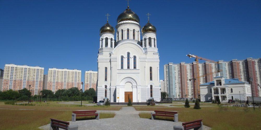 Экскурсия для школьников прошла в храме Покрова Пресвятой Богородицы на Люберецких полях