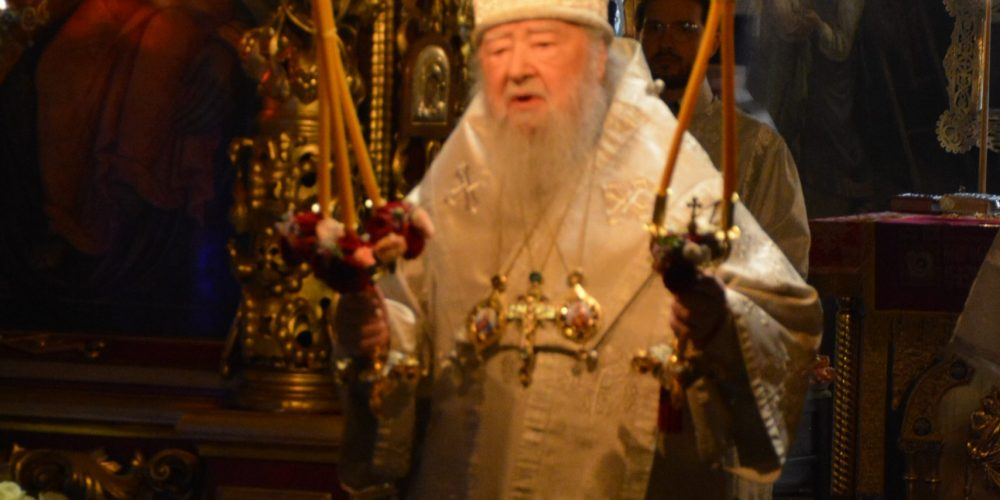 В праздник Светлого Воскресения Христова митрополит Ювеналий возглавил богослужение в храме святых апостолов Петра и Павла в Лефортове
