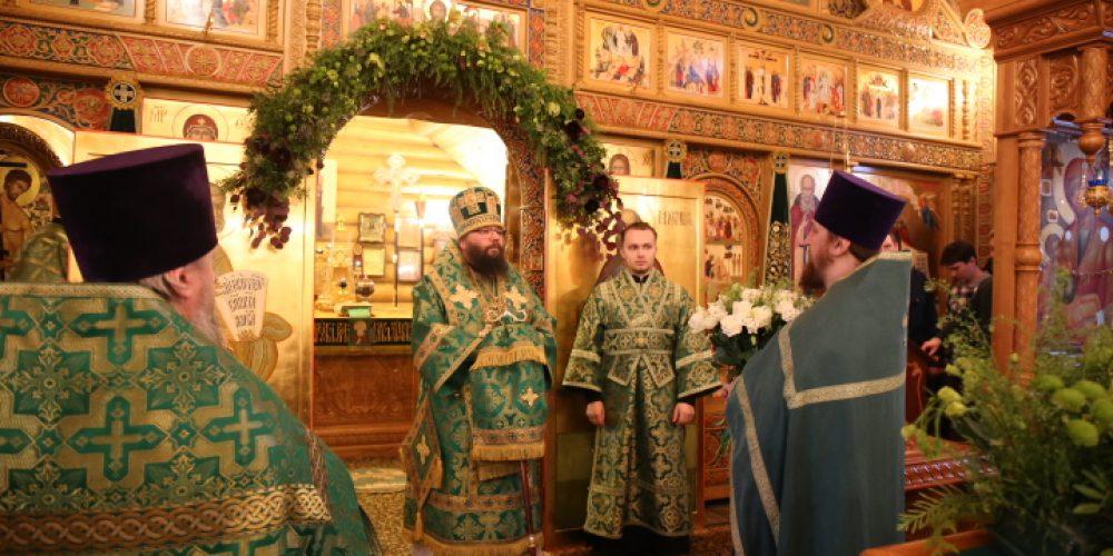 Архиепископ Егорьевский Матфей совершил Божественную литургию в храме преподобного Саввы Освященного в Люблине в день престольного праздника