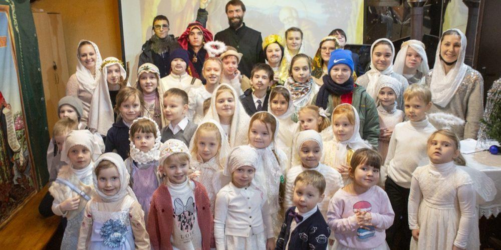 Детская Божественная литургия в день праздника Рождества Христова совершена в храме святого равноапостольного князя Владимира в Кузьминках