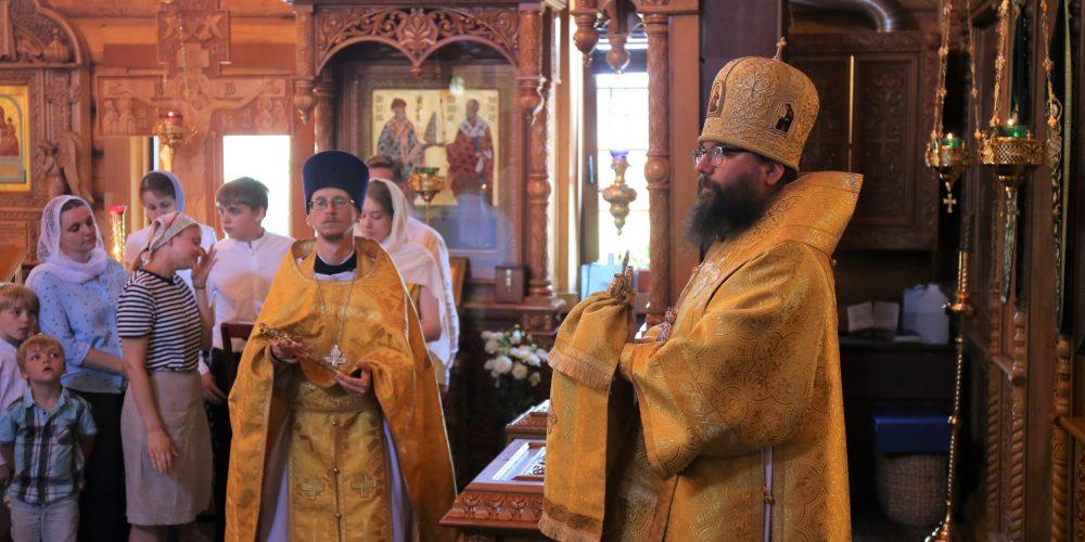 Архиепископ Егорьевский Матфей совершил Божественную литургию в храме преподобного Саввы Освященного в Люблине