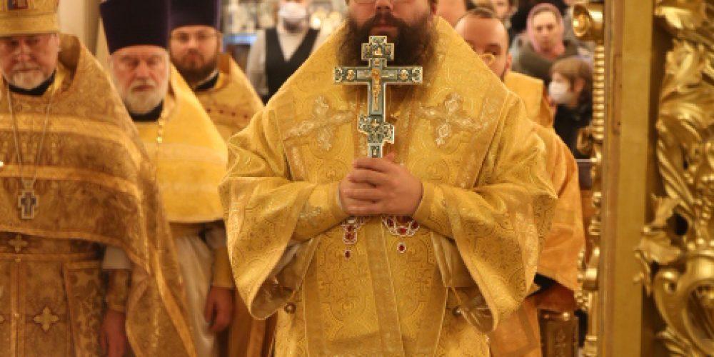 В день тезоименитства архиепископ Егорьевский Матфей совершил Литургию в храме Троицы Живоначальной в Усадьбе Свиблово