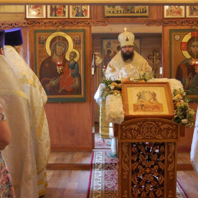Архиерейское богослужение в храме святых благоверных князей Петра и Февронии Муромских в Марьине