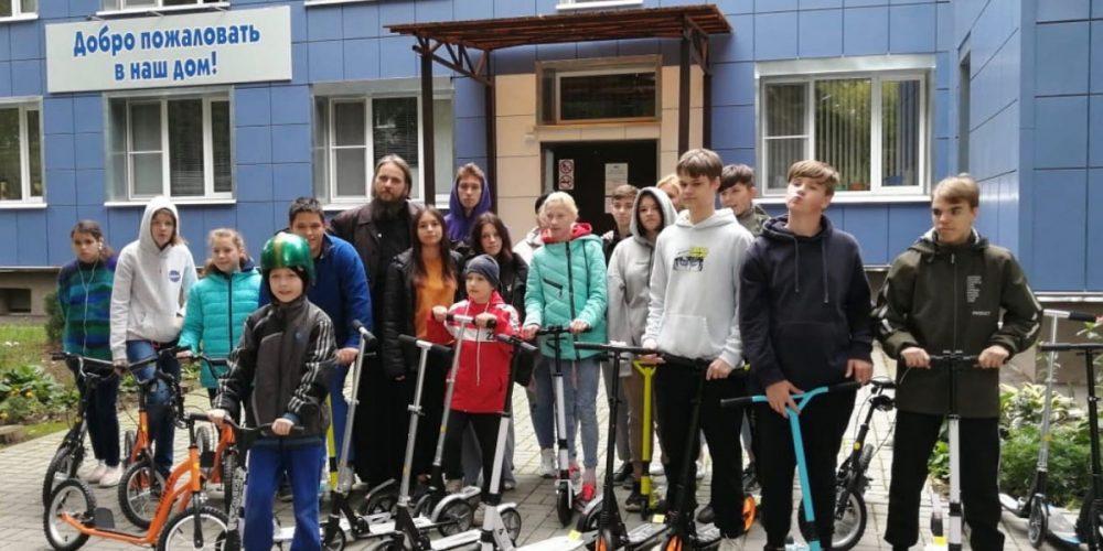 Молодежь храма Влахернской иконы Божией Матери в Кузьминках провела благотворительную акцию «Велосипед добра»
