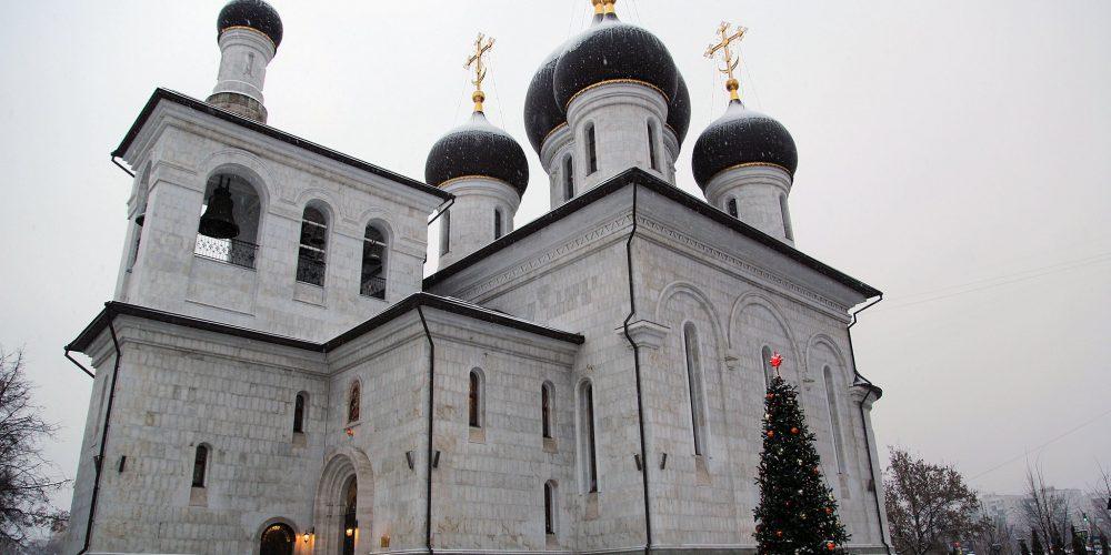 Введенская церковь храмового комплекса прп. Сергия Радонежского на Рязанке отметила престольный праздник (обновлено)