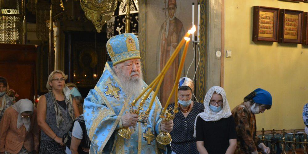 Митрополит Ювеналий возглавил торжества по случаю праздника Почаевской иконы Божией Матери в Петропавловском храме в Лефортове