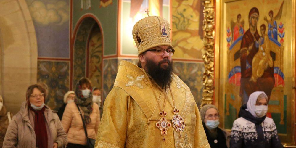 Архиепископ Егорьевский Матфей совершил Божественную литургию в храме преподобного Сергия Радонежского на Рязанке