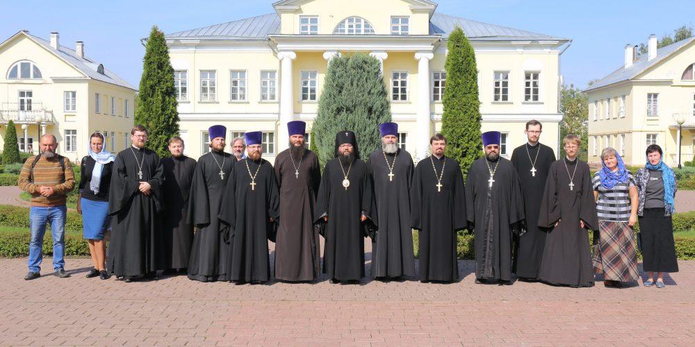 Под председательством архиепископа Егорьевского Матфея прошло совещание, посвященное открытию миссионерских школ в Юго-Восточном викариатстве