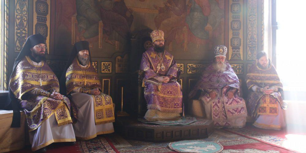 Архиерейское богослужение во Введенском храме у Салтыкова моста