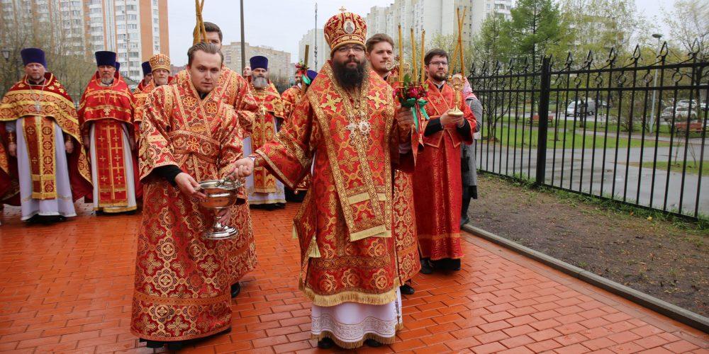 Архиепископ Матфей совершил Божественную литургию вместе с настоятелями храмов Юго-Восточного викариатства