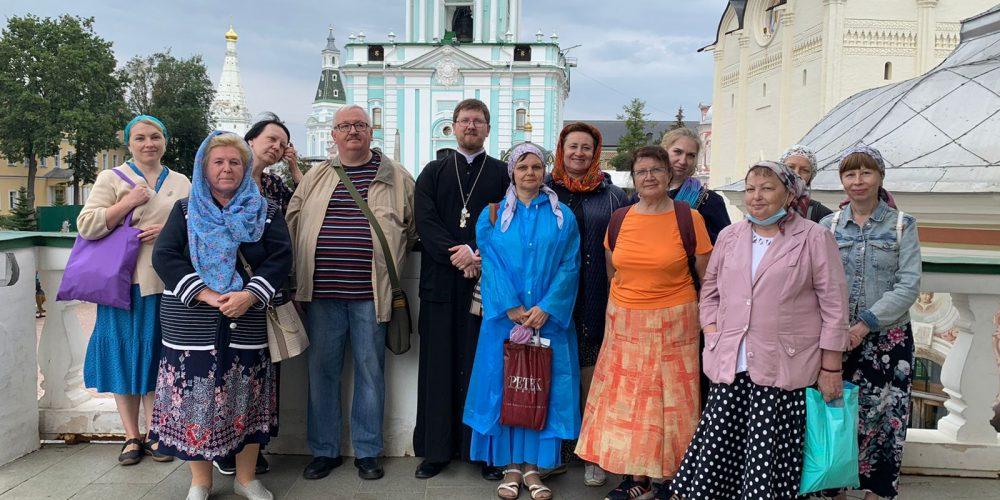 Паломничество прихожан храма Живоначальной Троицы в Карачарове в Лавру преподобного Сергия