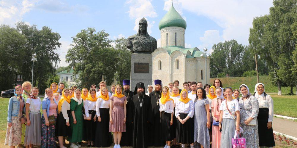 Объединенный молодежный хор Северо-Восточного и Юго-Восточного викариатств посетил г. Переславль-Залесский