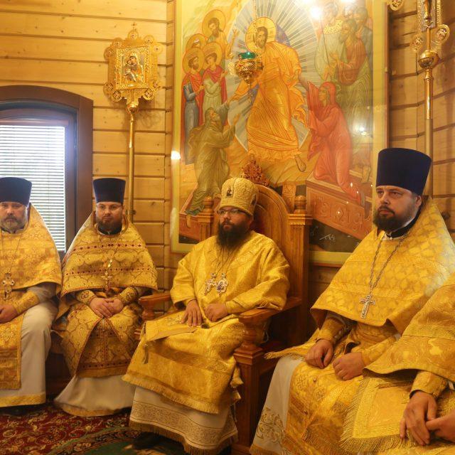 Архиепископ Егорьевский Матфей совершил Божественную литургию в храме преподобных Кирилла и Марии Радонежских в Марьине