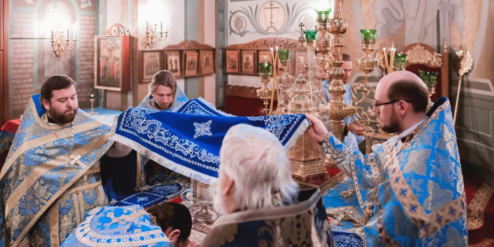 Празднование Дня православной молодежи прошло в Северо-Восточном и Юго-Восточном викариатствах