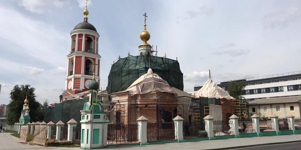 Архиепископ Егорьевский Матфей посетил храм Живоначальной Троицы в Карачарове