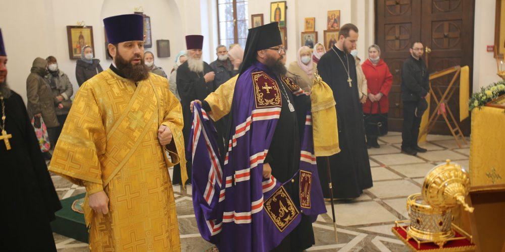 Управляющий викариатством возглавил богослужение в храме святителя Димитрия Ростовского в день престольного праздника